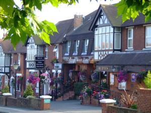 Picture of Grange Moor Hotel