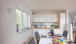 OG-Wohnung-Haus-Marina, Apartmány  Großenbrode - big - 37
