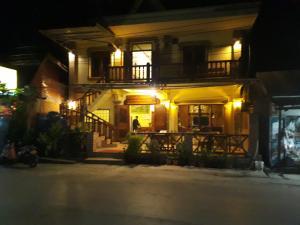 . Thip Phavan Guesthouse