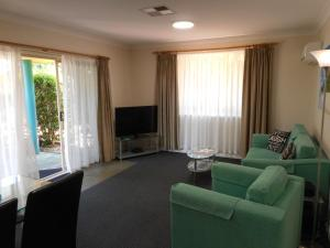 Beaches Serviced Apartments, Aparthotels  Nelson Bay - big - 75