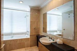 Batavia Apartments, Hotel & Serviced Residences, Апарт-отели  Джакарта - big - 2