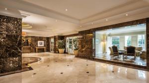 Batavia Apartments, Hotel & Serviced Residences, Апарт-отели  Джакарта - big - 35