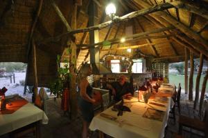 Tucsin Tsumkwe Lodge, Chaty v prírode  Tsumkwe - big - 32