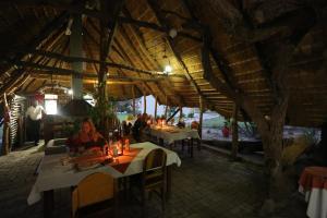 Tucsin Tsumkwe Lodge, Chaty v prírode  Tsumkwe - big - 33