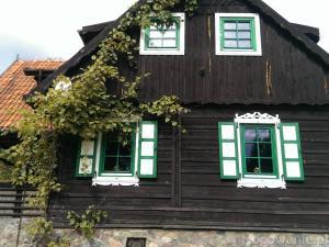 Dom nad jeziorem Wygryńskim k. Rucianego Nida