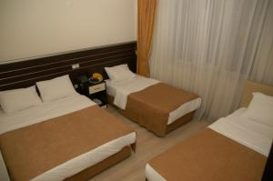 Economy Quadruple Room Merdan Hotel