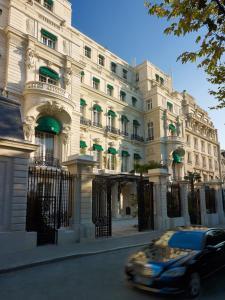 Picture of Shangri-La Hotel, Paris