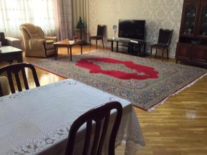 2 Bedroom Apartment Near Metro Nizami, Ferienwohnungen  Baku - big - 10