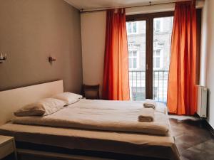 Penguin Rooms 1251