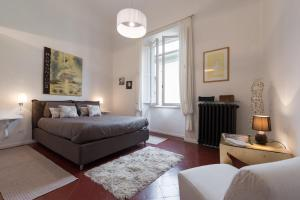 Old Bridge: historical and chic apartment - AbcFirenze.com