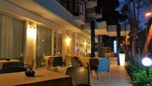 Hotel Canasta, Szállodák  Riccione - big - 33