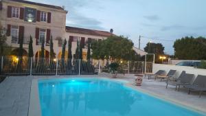 Location gîte, chambres d'hotes Hotel Le Mas Saint Joseph dans le département Bouches du rhône 13