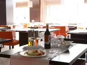 Hotel & Spa Villa Olimpica Suites, Отели  Барселона - big - 66
