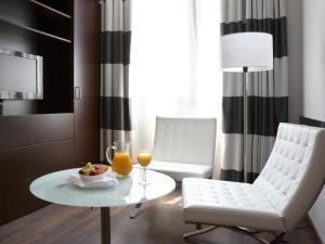 Hotel & Spa Villa Olimpica Suites, Отели  Барселона - big - 30