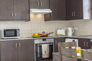 Protaras Palm Suite, Apartments  Protaras - big - 19