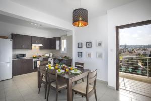 Protaras Palm Suite, Apartments  Protaras - big - 6