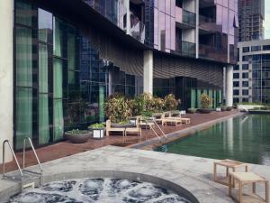 Luxury CBD - Pool, Gym and Spa