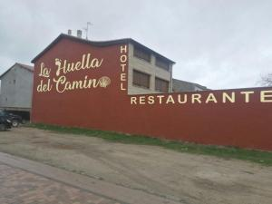 Hotel La Huella Del Camino, Hotel  Belorado - big - 1