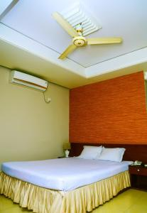 Royal Living Hotel & Suits, Hotel  Chittagong - big - 8