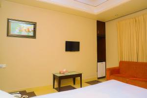 Royal Living Hotel & Suits, Hotel  Chittagong - big - 9