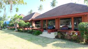 Suan Luang Beach Resort - Bang Saphan