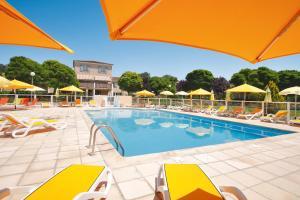 Location gîte, chambres d'hotes Le Champ d'Eysson Aparthotel dans le département Var 83