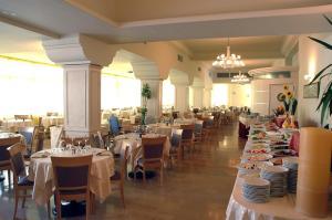 Hotel Doge, Отели  Морской Милан - big - 49