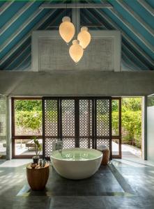 Four Seasons Resort Maldives at Landaa Giraavaru (40 of 52)