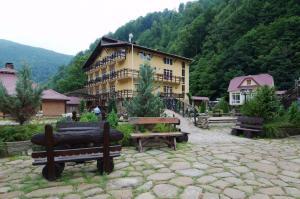 Medvezhy Ugol - Hotel - Krasnaya Polyana