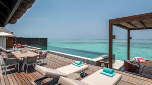 Four Seasons Resort Maldives at Kuda Huraa (5 of 44)