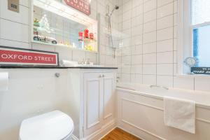 Outstanding Oxford Circus Home, Apartmány  Londýn - big - 8
