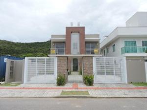Apartamento casa - Governador Celso Ramos