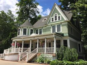 Ginkgo Tree Inn - Accommodation - Mount Pleasant