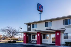 Motel 6-Barkeyville, PA - Hotel - Barkeyville