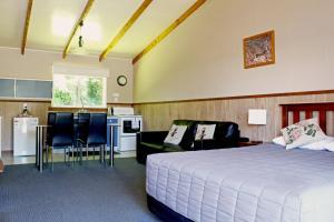 Fairy Springs Motel