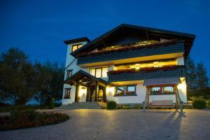 Bran Monte Crai Chalet, Guest houses  Bran - big - 55