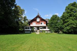 Jagdschloss Fahrenbühl Hotel Garni - Fattigau