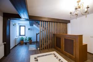 Bran Monte Crai Chalet, Guest houses  Bran - big - 17