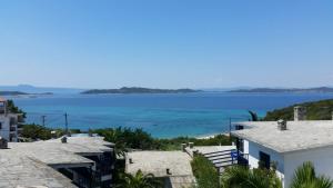 obrázek - View from Arhontarikia Ouranoupoli