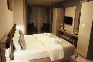 MyHouse N5 Suites, Апартаменты  Эсеньюрт - big - 37