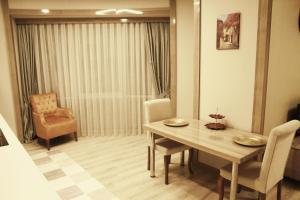 MyHouse N5 Suites, Апартаменты  Эсеньюрт - big - 9