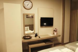 MyHouse N5 Suites, Апартаменты  Эсеньюрт - big - 46