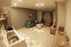 MyHouse N5 Suites, Апартаменты  Эсеньюрт - big - 53
