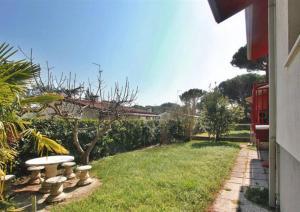 Villa a Lignano Riviera with air conditioning, Ferienhäuser  Lignano Sabbiadoro - big - 4