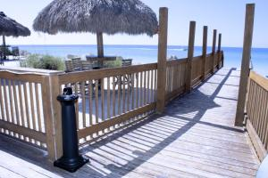 Anna Maria Island Beach Retreat Two-bedroom Apartment - Holmes Beach