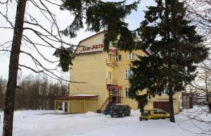 Petr Hotel - Plaksino