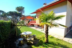 Villa a Lignano Riviera with air conditioning, Ferienhäuser  Lignano Sabbiadoro - big - 2