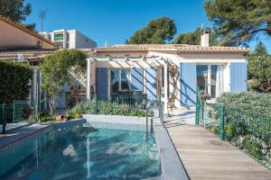 Villa 3 BR + mezzanine quiet and swimmingpool- Vallauris- by IMMOGROOM