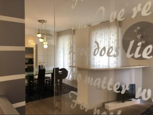 Adel Apartment - AbcAlberghi.com