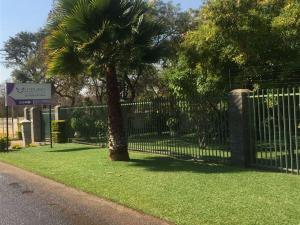 Lodumo Guest House - Bulawayo